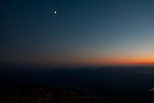 Luna ob zahodu